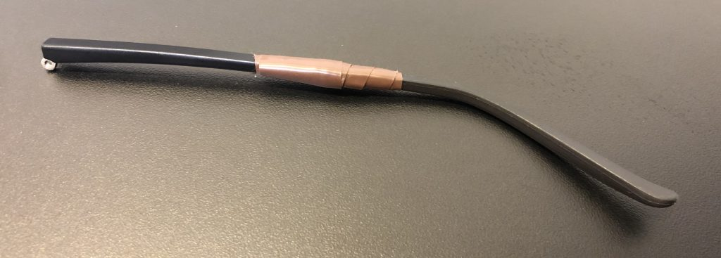 Fixed with one of my favourite jugaad tool: the electrical tape
